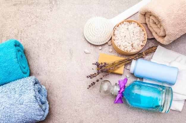 Badhanddoek, zeezout met lavendel, natuurlijke olijfzeep, douchegel en borstel