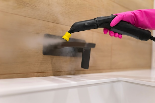 Badkamer reinigingsproces