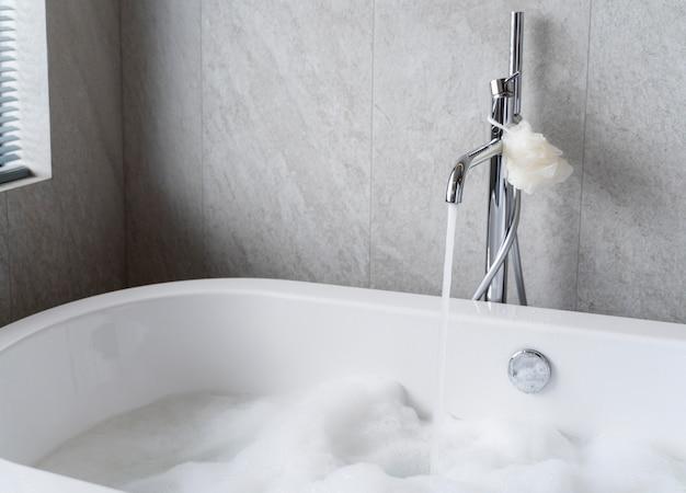 Badkuip klaar voor een bubbelbad