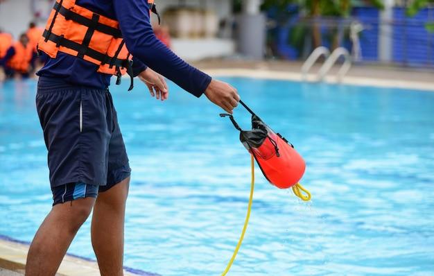 Badmeester training gebruik werpzak