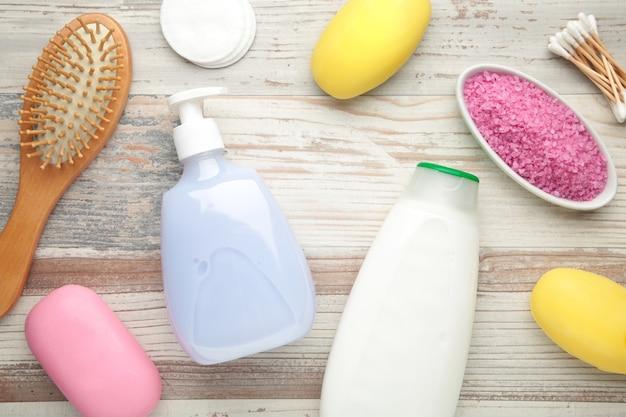 Badproducten met aromatisch zout, zeep en andere toiletartikelen