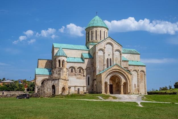 Bagrati kathedraal orthodoxe kerk in kutaisi stad, georgië.