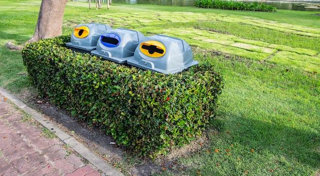 Bak in de tuin bij suan luang rama ix openbaar park, bangkok, thailand