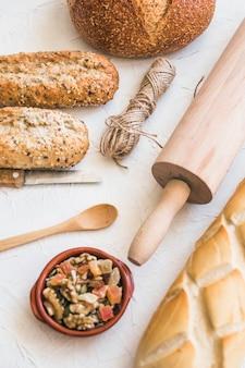 Bakkerij en voedselplaat op desktop