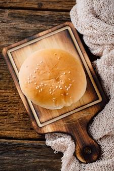 Bakkerij op houten tafel