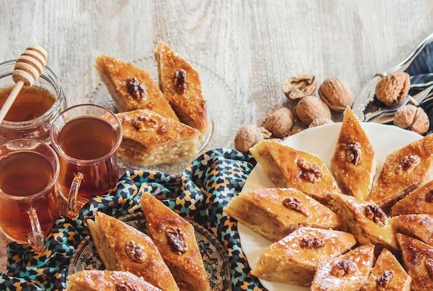 Baklava honing en thee
