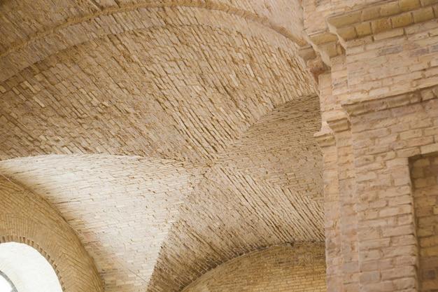 Baksteen lancet boog plafond in het fort