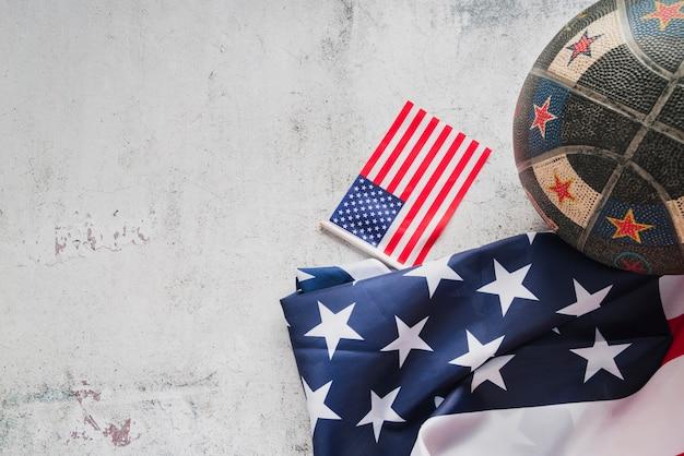 Bal en amerikaanse vlaggen