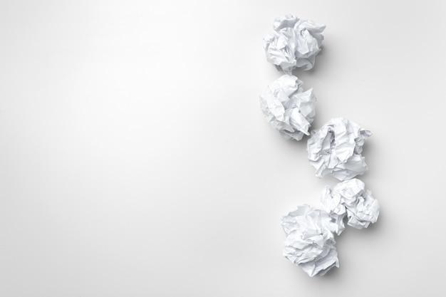 Bal van wit papier