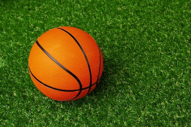 Bal voor basketbalspel, van bovenaf bekijken