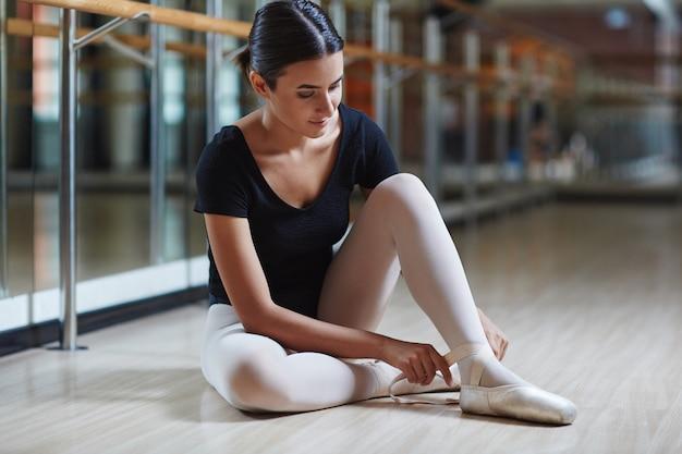 Balletschoenen aantrekken