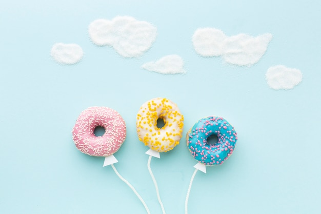 Ballonconcept met donuts hoogste mening