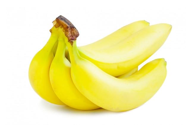 Bananen op witte achtergrond worden geïsoleerd die