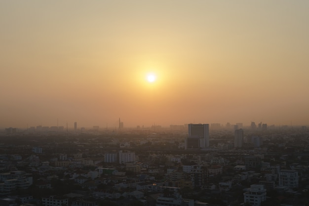 Bangkok, hoofdstad van thailand met stof en rook