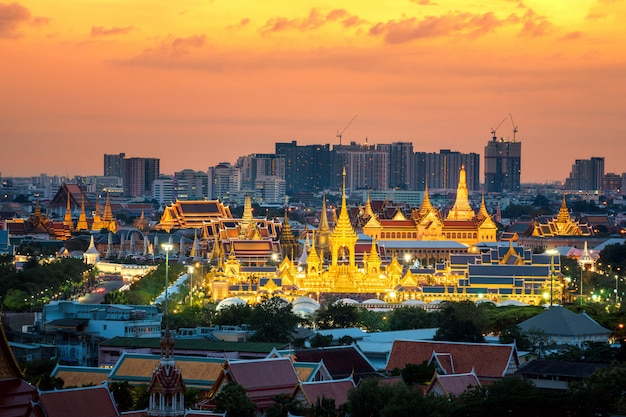 Bangkok stad en groot paleis 's nachts