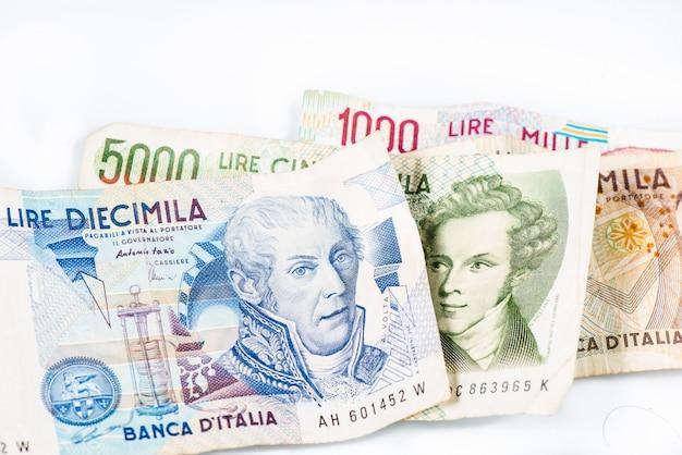 Bankbiljetten uit italië. italiaanse lira 10000, 5000, 2000, 1000.
