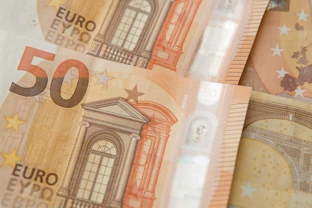 Bankbiljetten van 50 euro. bankbiljetten van de europese unie. euro geld