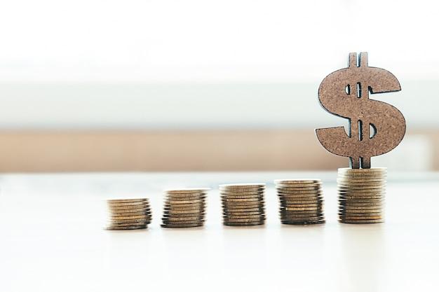 Banken en sparen geld copyspace achtergrond idee concept.