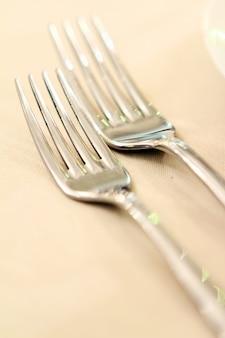 Bankettafel met restaurant serveren