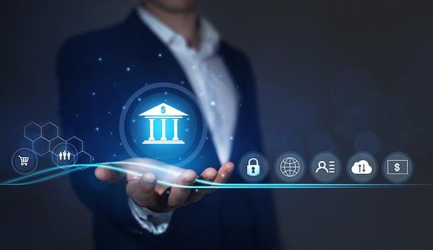 Bankveiligheid en bescherming van persoonlijke en financiële gegevens zakenman met online bankieren