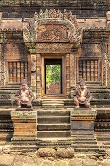 Banteay srei tempel in angkor wat complex, siem reap
