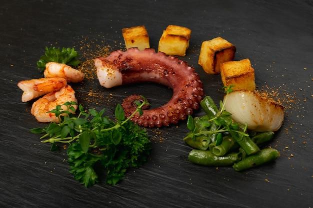 Barbecue octopus tentakel close-up