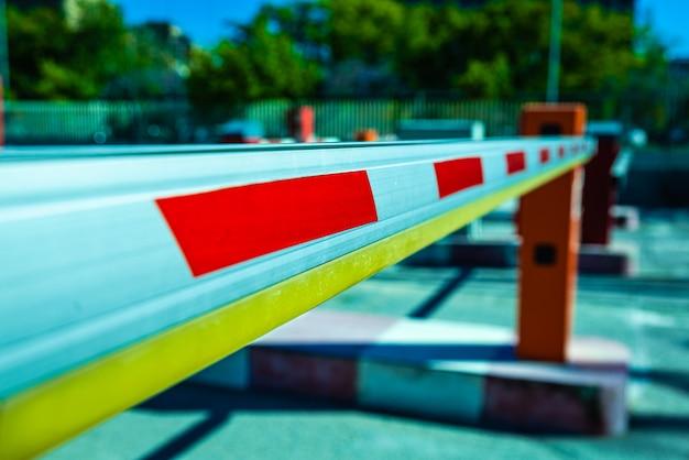 Barrière om doorgang van voertuigen te voorkomen