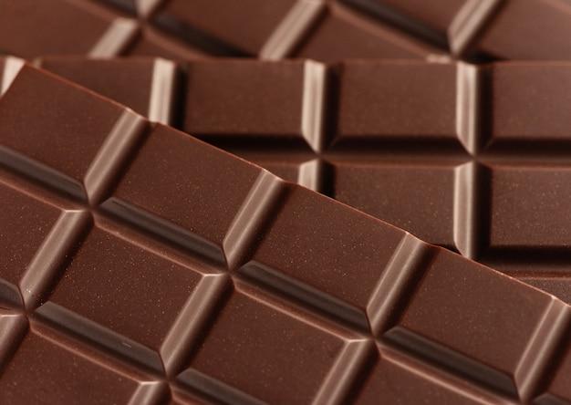 Bars van donkere chocolade close-up.