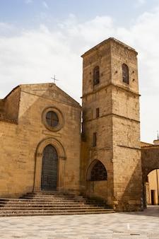 Basiliek van san leone, assoro