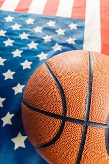 Basketbal op amerikaanse vlag