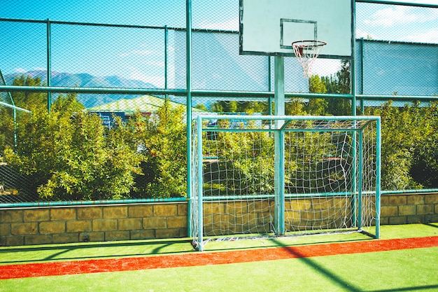 Basketbalstadion en voetbalvoetbal speeltuin Premium Foto