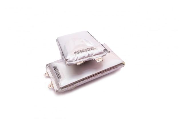Batterij voor elektrische autoped op witte achtergrond batterijverslechtering.
