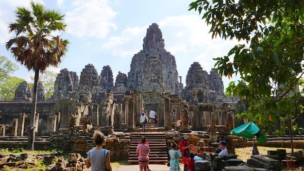 Bayon-tempel in complexe angkor wat, siem oogst kambodja