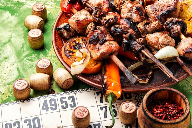 Bbq-vlees en lotto-spel