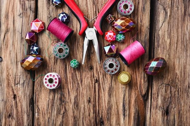 Bead.handmade kralen die vrouwenaccessoires maken