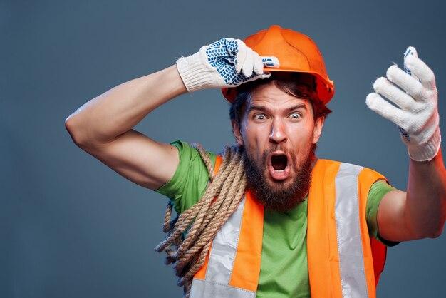 Bebaarde man werken beroep industrie geïsoleerde achtergrond