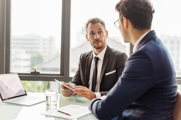 Bedrijfs collectieve collega's medewerkers job concept