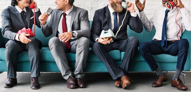 Bedrijfsarbeiders collectief zittingsconcept