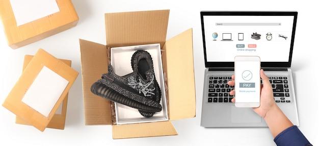 Bedrijfseigenaar werken. online winkelend mkb-ondernemer