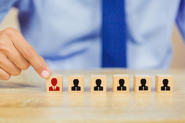 Bedrijfsmedewerker, wervingsmedewerker en talent