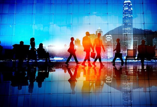 Bedrijfsmensenforens lopend cityscape collectief concept