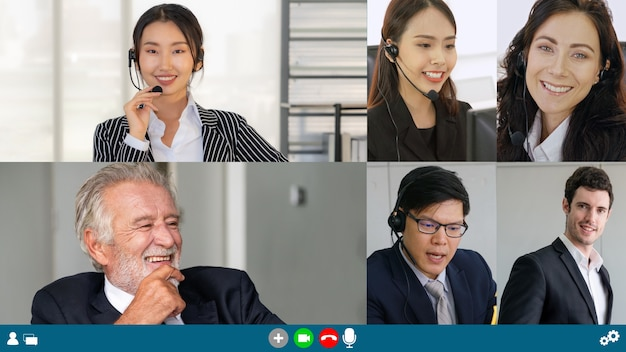 Bedrijfsmensengroepsvergadering in videoconferentie