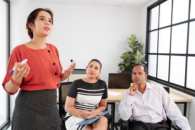Bedrijfspresentatie op kantoor