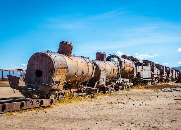 Begraafplaats van verlaten treinen, uyuni, bolivia