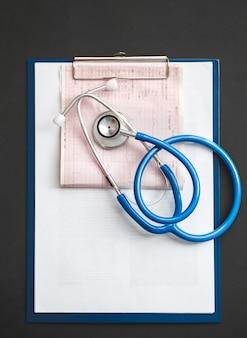 Behandeling van hart-en vaatziekten concept