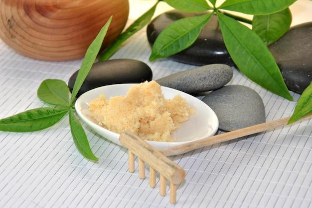 Behandeling voor massages in natuursteen en minerale zouten