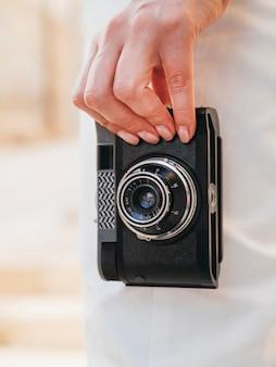 Bekijk hand met cameraapparaat niet