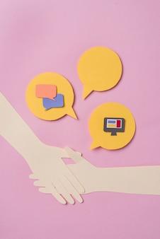 Bekijk hierboven social media concept met items
