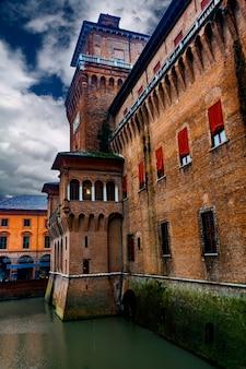 Bekijk in castello estense in ferrara, italië