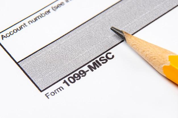 Belastingformulier 1099-misc op een witte achtergrond.